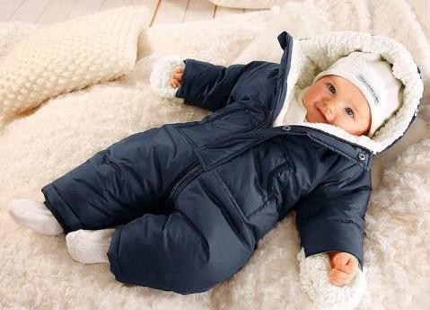Как выбрать детский комбинезон на зиму?